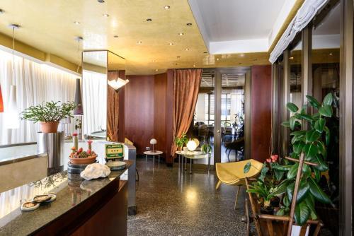 Hall o reception di Hotel Schenatti