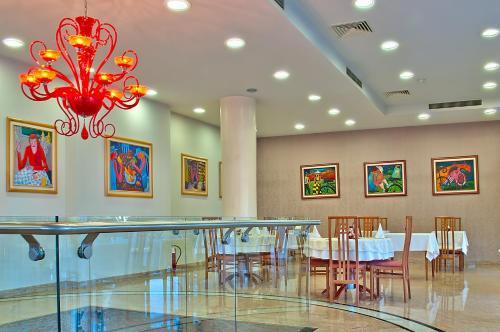 Ресторан / где поесть в Hotel Niski Cvet