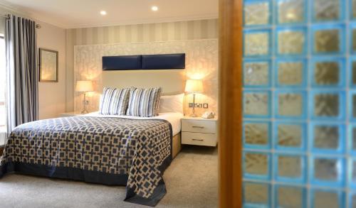 A room at Mill Park Hotel