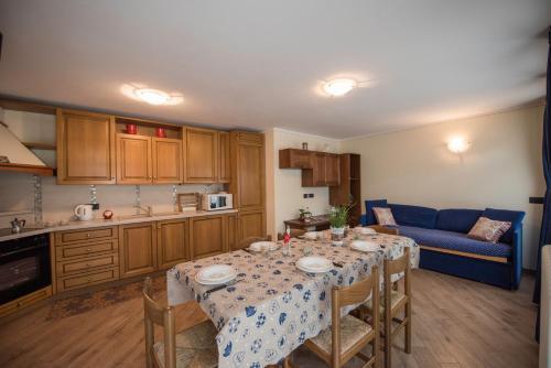 Kuchyň nebo kuchyňský kout v ubytování Appartamento Dina