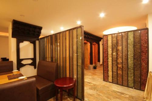 A seating area at Dorji Elements Boutique Hotel