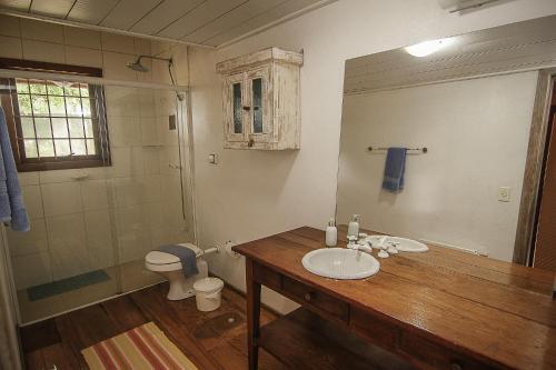 A bathroom at Quinta dos Janssen, a sua casa na Serra Gaúcha