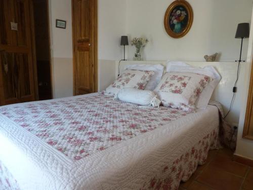 Un ou plusieurs lits dans un hébergement de l'établissement Mas de l'Olivette