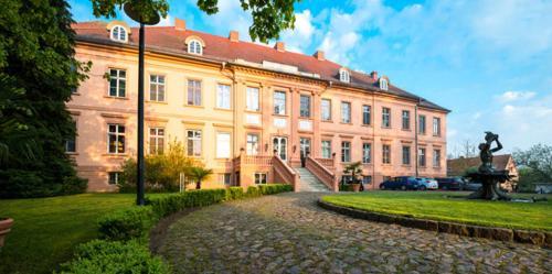 Schlosshotel Rühstädt Garni - Natur & Erholung an der Elbe