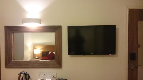 A television and/or entertainment center at Gateway Express