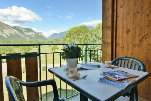 Vue générale sur la montagne ou vue sur la montagne depuis le village vacances