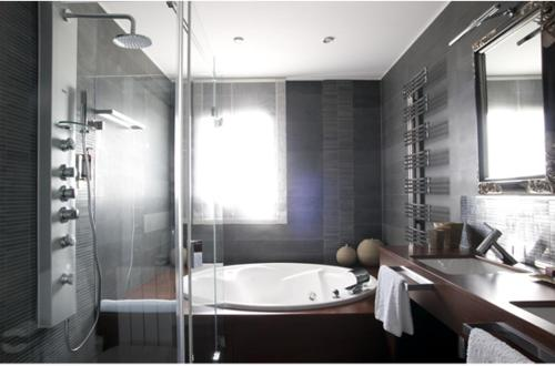 A bathroom at Allotjament Marjal - Adults Only