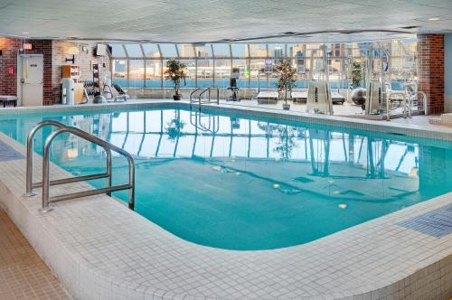 The swimming pool at or near Best Western Plus Waterfront Hotel