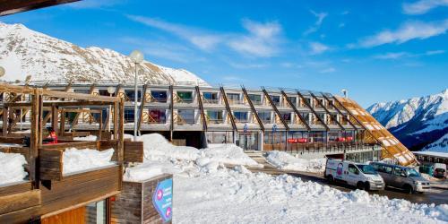 L'établissement Hôtel des 4 Ours en hiver