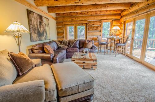 A seating area at The Silver Lake Lodge - Adults Only
