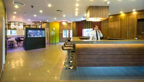 The lobby or reception area at Eden Plaza Kensington