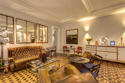 A seating area at We Boutique Hotel Barcelona