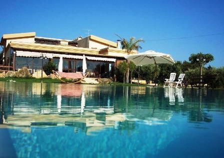 The swimming pool at or near Agriturismo Le Arcate