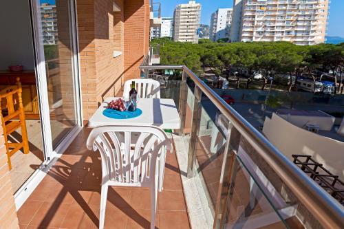 Een balkon of terras bij RVHotels Apartamentos Villa de Madrid