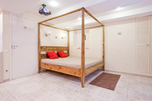 Кровать или кровати в номере Apartment Sutochno78 Nikolskaya