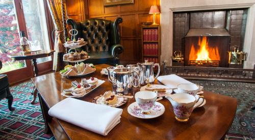 A restaurant or other place to eat at Tigh na Sgiath Country House Hotel