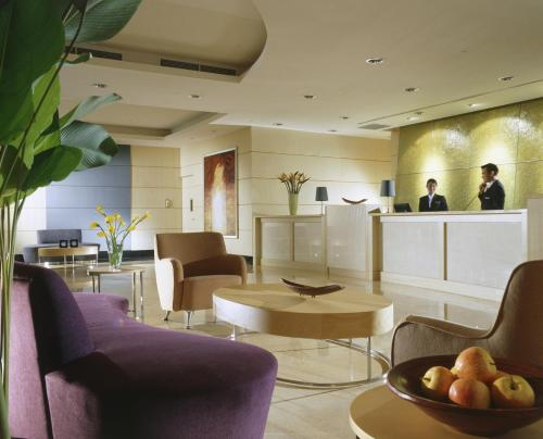 The lobby or reception area at Somerset Bencoolen Singapore (SG Clean)