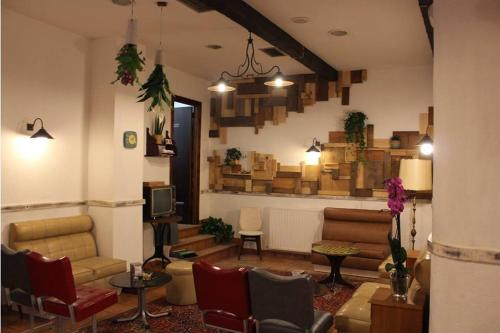 A seating area at MON ComeySueña Guesthouse