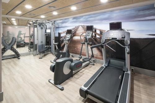 The fitness center and/or fitness facilities at Catalonia Diagonal Centro