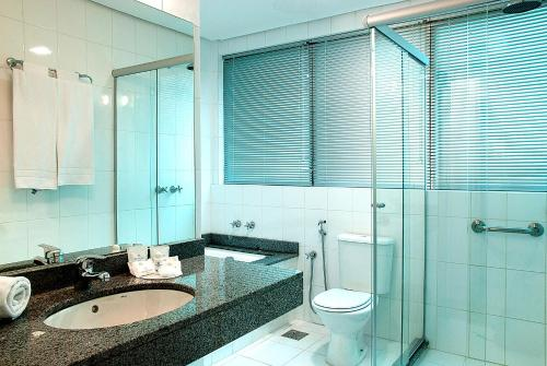 A bathroom at Master Royal - Aeroporto
