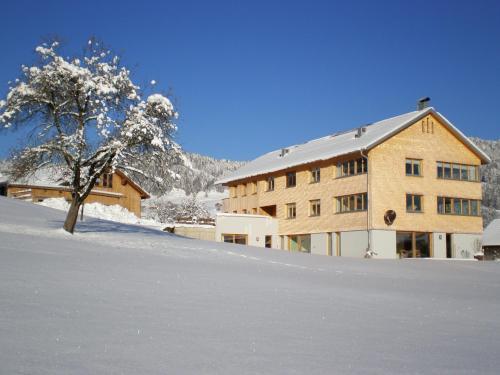 Schweizer Hof im Winter