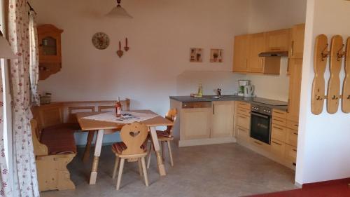 Küche/Küchenzeile in der Unterkunft Ferienwohnung Marlene