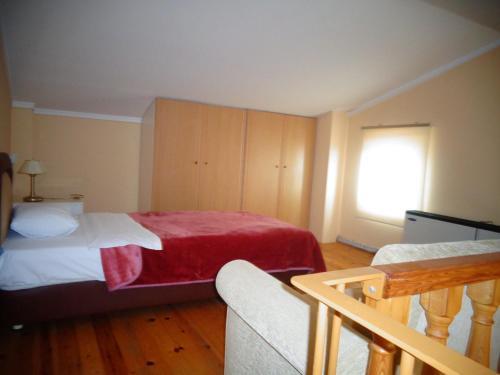 Легло или легла в стая в Bell Air Hotel