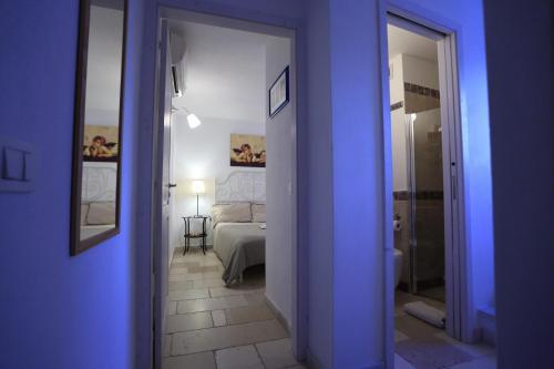 A bathroom at La Casetta Nel Vico