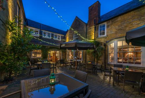 A restaurant or other place to eat at The White Hart Royal, Moreton-in-Marsh, Cotswolds