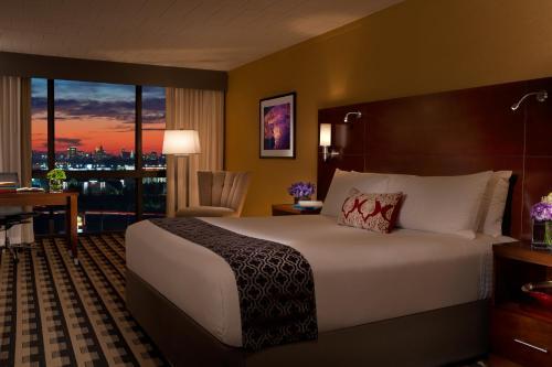 Cama o camas de una habitación en Millennium Buffalo