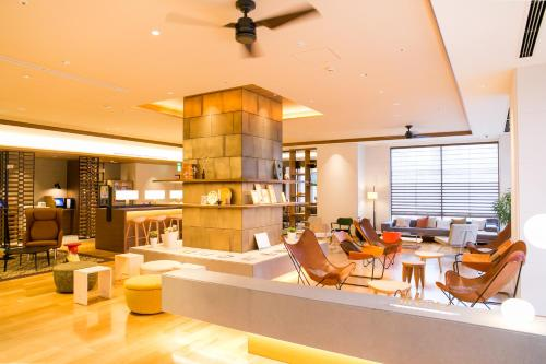A restaurant or other place to eat at Nishitetsu Hotel Croom Hakata