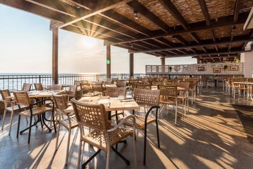 A restaurant or other place to eat at Rooms Savudrija Plava Laguna