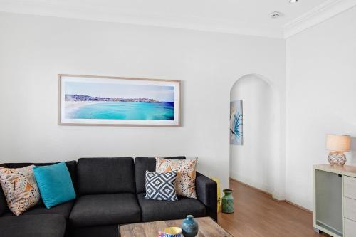 A seating area at Beachside Bliss - A Bondi Beach Holiday Home