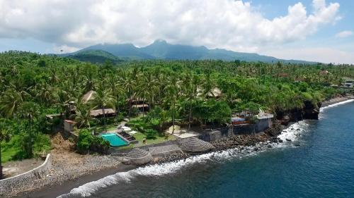 A bird's-eye view of Seraya Shores