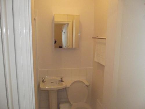 A bathroom at No24 Ventnor