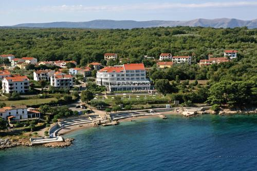 A bird's-eye view of Spa & Wellness Hotel Pinia