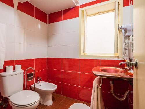 Uma casa de banho em Pedra Iberica