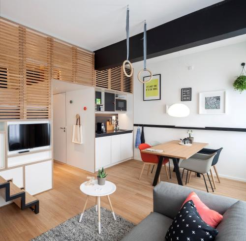 A kitchen or kitchenette at Zoku Amsterdam