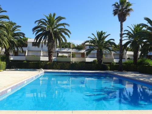 The swimming pool at or near Studio Les Cyprianes-6