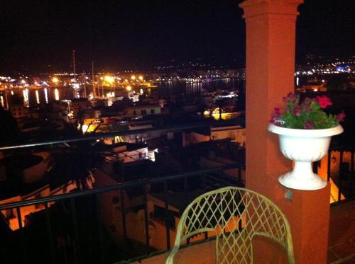 A balcony or terrace at Aparthotel Navila
