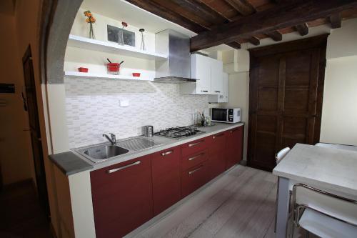 Una cocina o zona de cocina en Visit Florentia Apartment