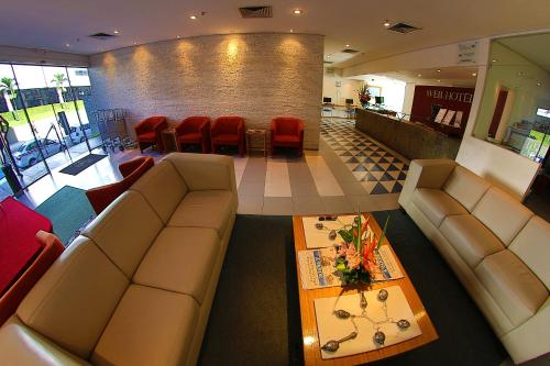 The lobby or reception area at Conect Smart Salvador by Accor