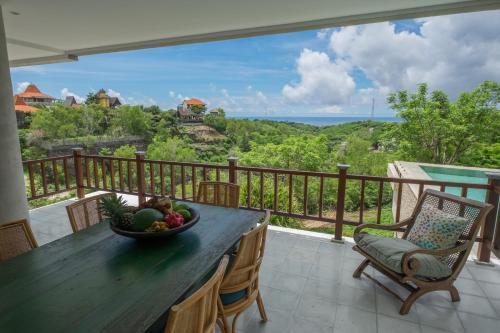 A balcony or terrace at Adila Bali