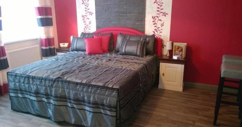Ein Bett oder Betten in einem Zimmer der Unterkunft Lutherdom Apartment