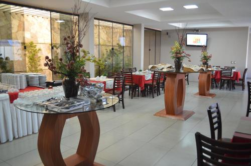A restaurant or other place to eat at Annamar Hotel