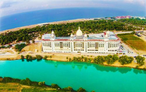 A bird's-eye view of Diamond Premium Hotel & Spa - Ultra All-inclusive