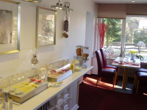 A restaurant or other place to eat at Hotel Garni Waldsegler
