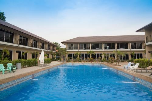 The swimming pool at or close to Sky Resort Kanchanaburi