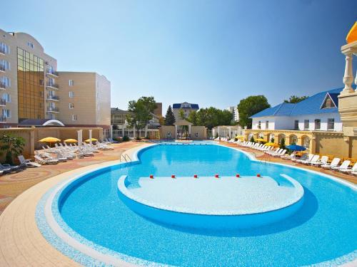The swimming pool at or near Nadezhda Health Resort