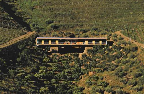 A bird's-eye view of Casa do Rio Wine Hotel - Vallado